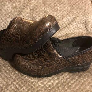 DANSKO Professional brown embossed leather 36